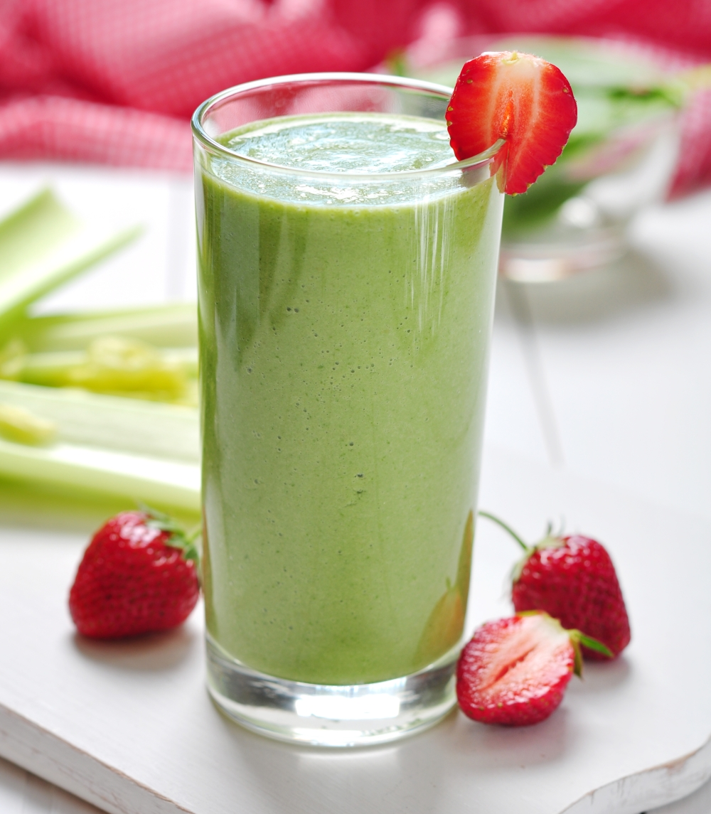 Strawberry Kale Spinach Smoothie